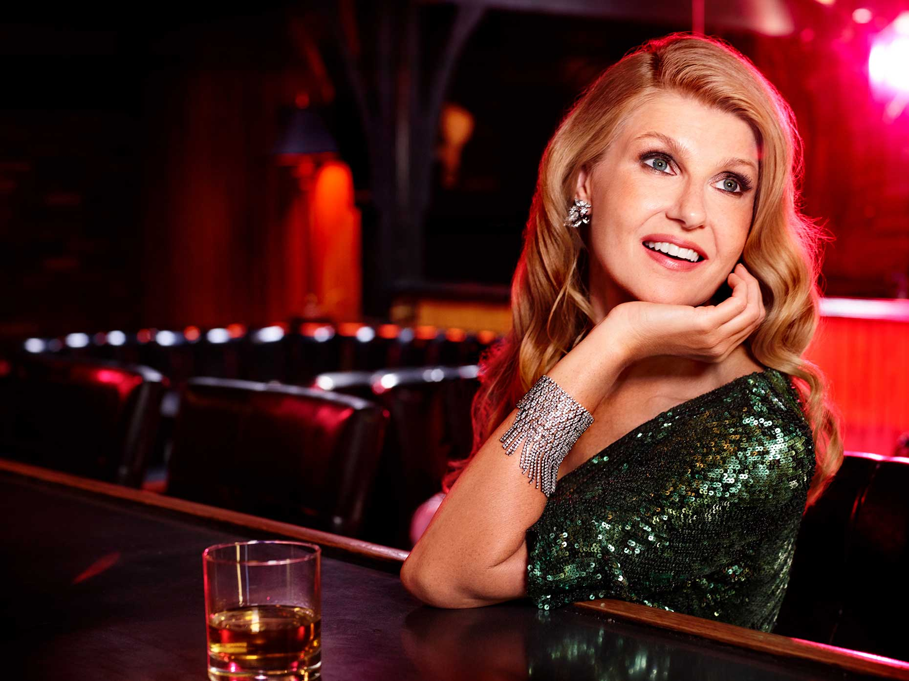 02_Connie_Britton_0242_01ac