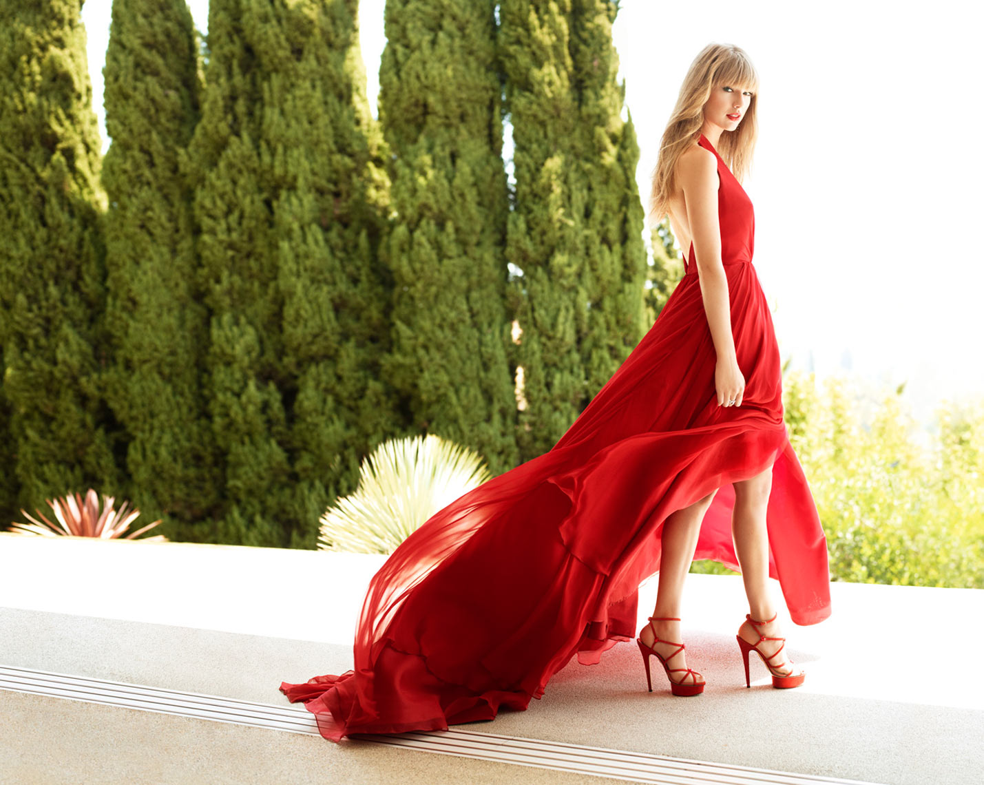 03_Red_Dress_084cr